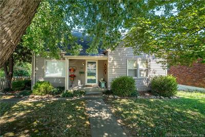 Clarksville Single Family Home For Sale: 220 W Adams Avenue