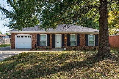 Jeffersonville Single Family Home For Sale: 1114 W Walford Drive