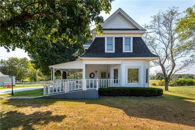 Clark County Single Family Home For Sale: 1608 Charlestown Memphis Road