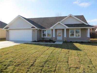 Scottsburg IN Single Family Home For Sale: $176,900