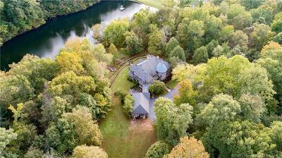 Floyd County Single Family Home For Sale: 4322 Jones Lane
