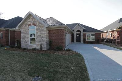 Henryville Single Family Home For Sale: 1737 Bay Hill Place
