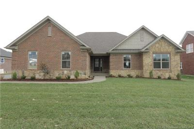 Henryville Single Family Home For Sale: 1883 Hazeltine Way