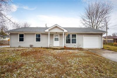 Jackson County Single Family Home For Sale: 131 E Harrison Drive