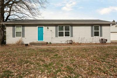 Corydon IN Single Family Home For Sale: $139,900