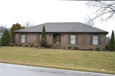 New Albany IN Single Family Home For Sale: $219,900