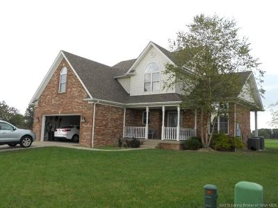 Scottsburg IN Single Family Home For Sale: $275,000