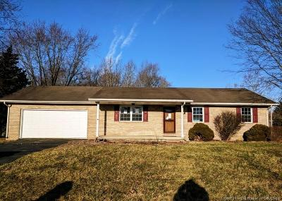 Scottsburg IN Single Family Home For Sale: $94,000