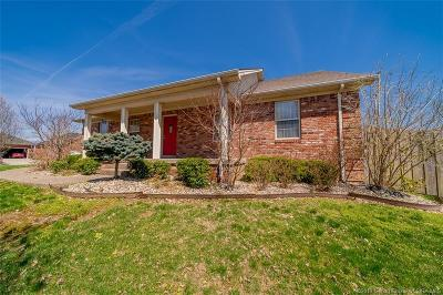 Sellersburg Single Family Home For Sale: 11833 Perry Crossing Parkway