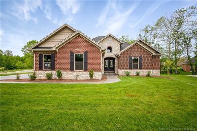 Clark County Single Family Home For Sale: 1401 Bogie Lane
