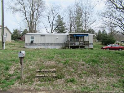 Jackson County Single Family Home For Sale: 6851 S County Road 1100 W