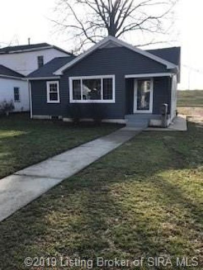 Jeffersonville Single Family Home For Sale: 930 E Chestnut Street