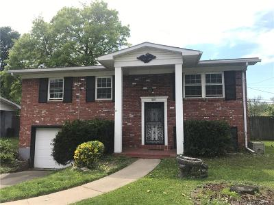 Clarksville Single Family Home For Sale: 1807 Tennyson Drive