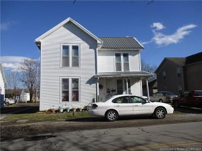 Scott County Single Family Home For Sale: 261 S Main