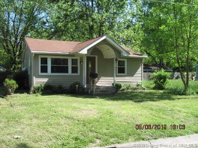 Clarksville Single Family Home For Sale: 214 Starlight Drive