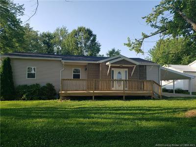 Scott County Single Family Home For Sale: 668 Cedar Street