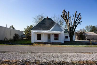 Washington County Single Family Home For Sale: 55 E Railroad Street