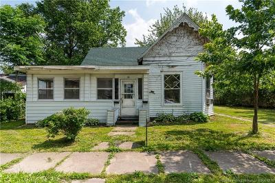 Scottsburg IN Single Family Home For Sale: $54,000