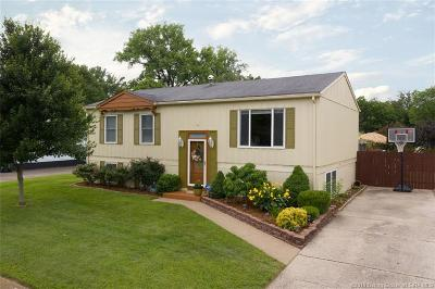 Jeffersonville Single Family Home For Sale: 1933 Lilly Lane