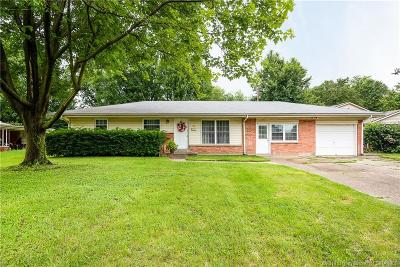 Jeffersonville Single Family Home For Sale: 804 Marigold Drive