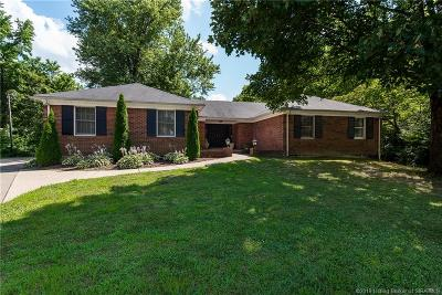 New Albany Single Family Home For Sale: 1014 Woodfield Drive