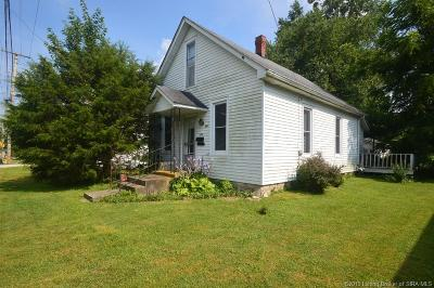 Scottsburg IN Single Family Home For Sale: $59,900