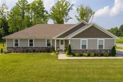 Scottsburg IN Single Family Home For Sale: $314,900