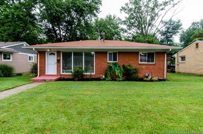 New Albany Single Family Home For Sale: 2111 Carlton Drive