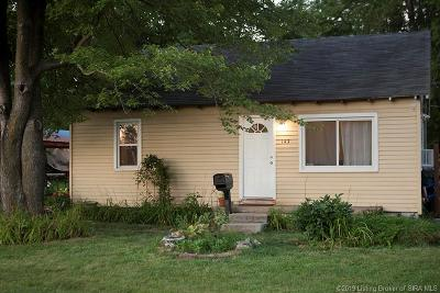 Scott County Single Family Home For Sale: 143 S 7th Street