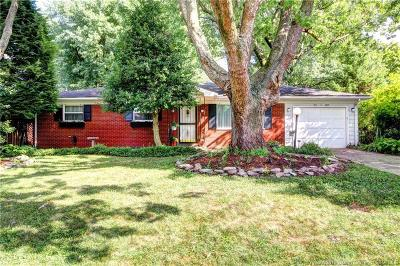Clarksville Single Family Home For Sale: 108 W Maplewood Drive