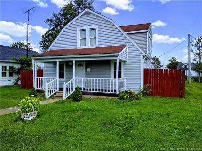 Scottsburg IN Single Family Home For Sale: $109,900