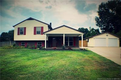 Jeffersonville Single Family Home For Sale: 940 Camelot Court