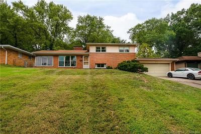 New Albany IN Single Family Home For Sale: $139,900