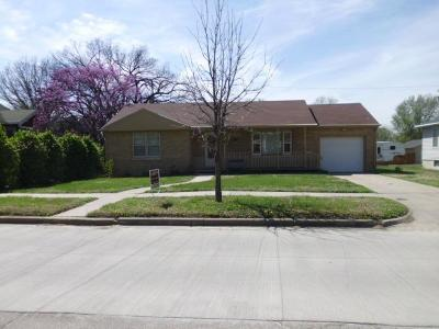 Herington Single Family Home For Sale: 707 North D Street