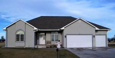 Great Bend KS Single Family Home For Sale: $319,900