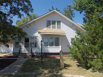 Great Bend KS Single Family Home Sale Pending: $189,900