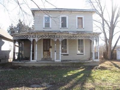 Dickinson County Single Family Home For Sale: 203 Southwest 2nd Street