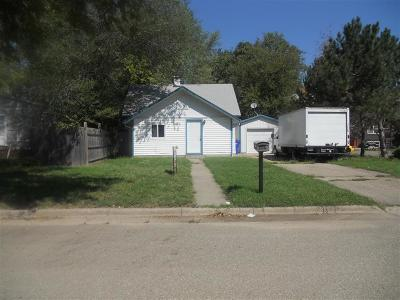 Junction City Single Family Home For Sale: 204 East 1st Street
