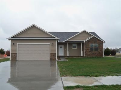 Great Bend KS Single Family Home For Sale: $198,900