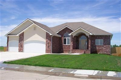 Great Bend KS Single Family Home For Sale: $350,000