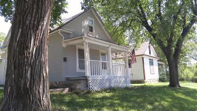 Herington Single Family Home For Sale: 202 South A Street