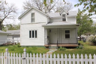 Clay Center Single Family Home For Sale: 611 Lane