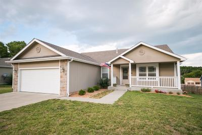 Junction City Single Family Home For Sale: 1409 Spring Hill Drive