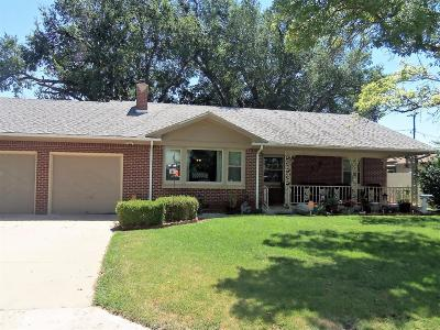 Great Bend KS Single Family Home For Sale: $119,900