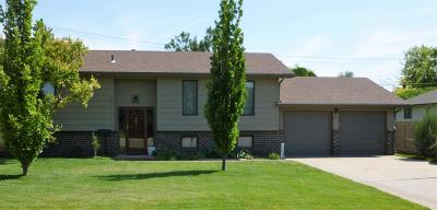 Great Bend KS Single Family Home For Sale: $169,500