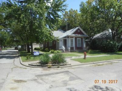 Herington Single Family Home For Sale: 520 North B Street
