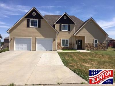 Junction City Single Family Home For Sale: 2112 Lauren Lane