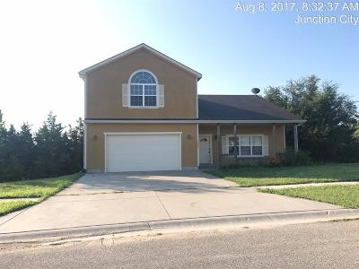 Junction City Single Family Home For Sale: 1901 Ehlers Court