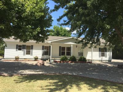Great Bend KS Single Family Home For Sale: $168,500