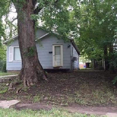 Junction City Single Family Home For Sale: 207 East 12